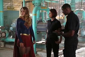 Supergirl 1x02.jpg