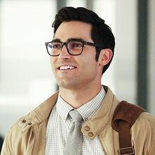 Clark Kent - Tyler Hoechlin.jpg
