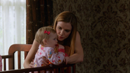 Маленькая Эмма с матерью