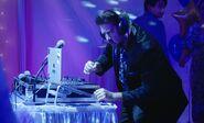 S04E17-DJ