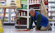 S01E03-Brett cleans up salsa