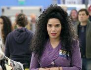 S03E05-Amy nametag Selena