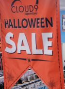 S03E05-Halloween Sale