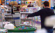 S04E16-Customer and bunny