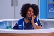 S04E10-Janet call center
