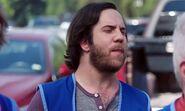 S02E01-Dougie vape1