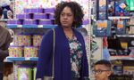 S04E16-Mom Customer