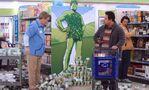 S04E15-Glenn cart customer