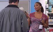 S03E18-Jess w beer bottle