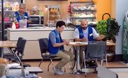 S04E06-Coffee & Bakery