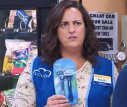 S02E02-Mary with razors