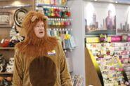 S03E05-Glenn as lion