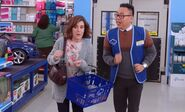 S04E11-Mom Customer and Mateo