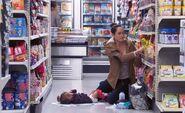 S03E11-Woman puts diaper on shelf
