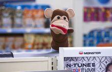S02E10-Monkey puppet.jpg