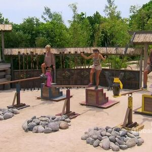 Survivor.s27e14.hdtv.x264-2hd 0179.jpg