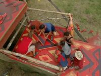 Survivor.Vanuatu.s09e02.Burly.Girls,.Bowheads,.Young.Studs,.and.the.Old.Bunch.DVDrip 364