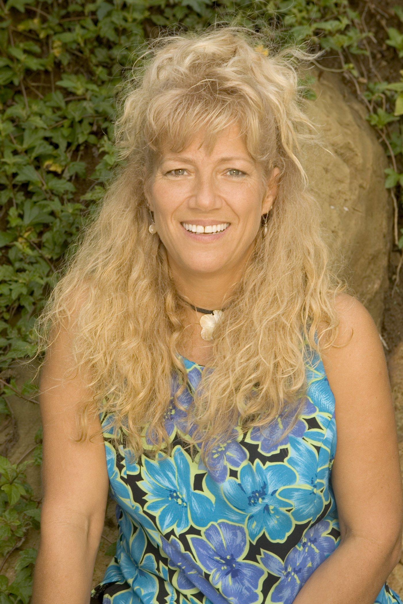 S12 Tina Scheer.jpg
