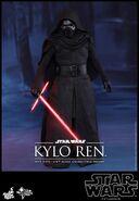 Kylo Ren Hot Toys 02