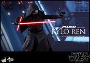 Kylo Ren Hot Toys 06