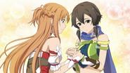 Asuna reassuring Sinon