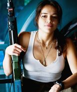 Michelle-rodriguez-avatar-tank-top-wallpaper-3