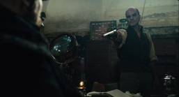 Taboo-Caps-1x02-Dumbarton-Pointing-Gun-James