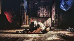 Taboo-Still-S1E08-Dumbarton-Corpse