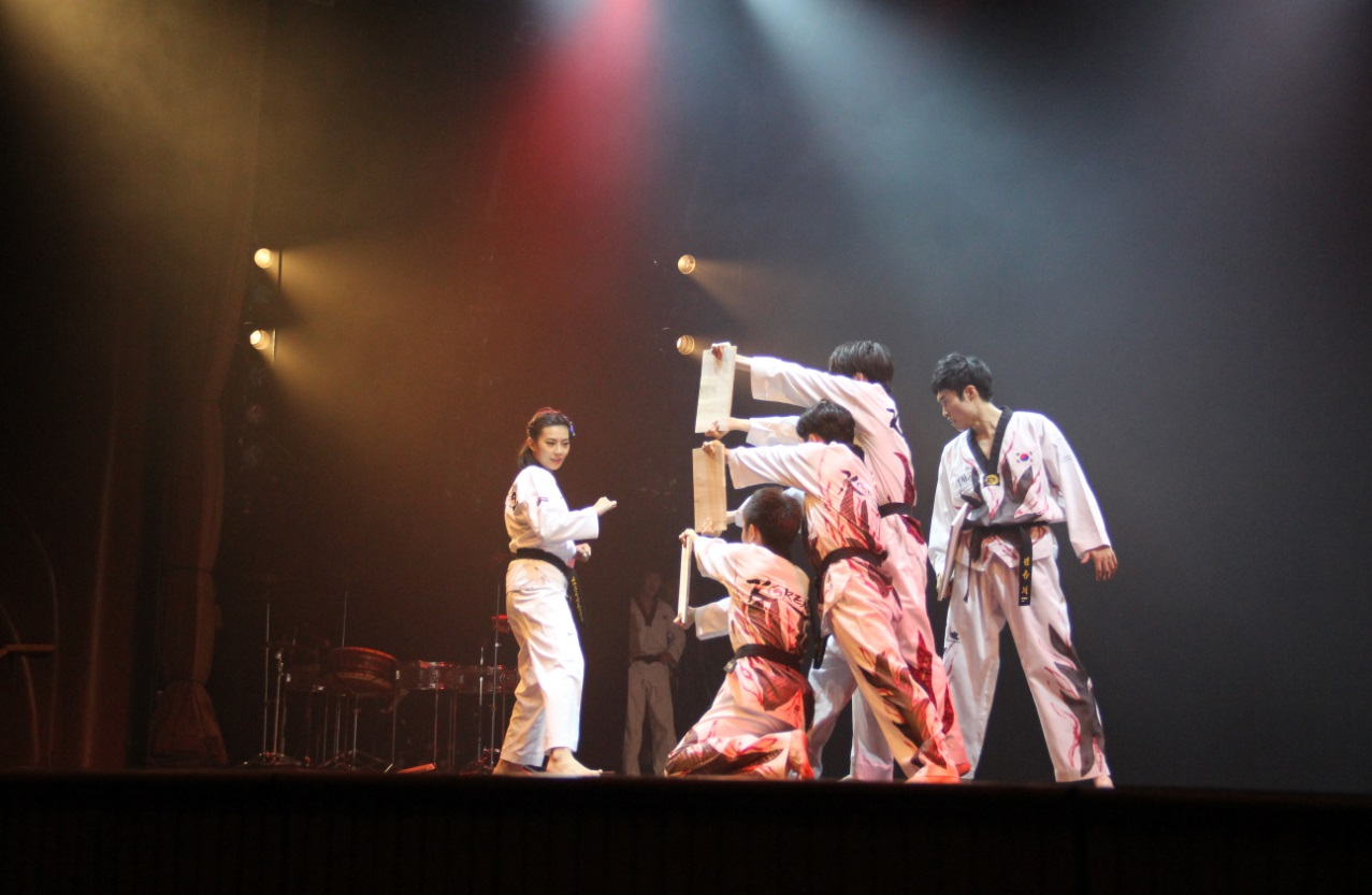 TAL: The Legend of Korea Extreme Taekwondo Performance