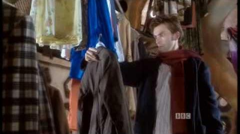 Doctor_Who_Series_2_-_Christmas_Invasion_Clip_2
