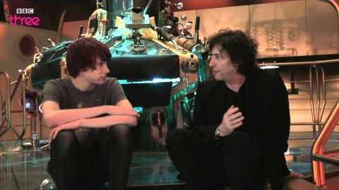Charlie McDonnell interviews Neil Gaiman (CON episode)
