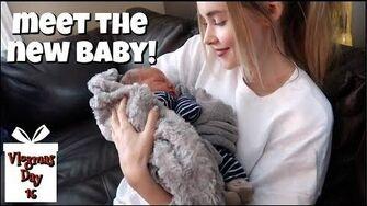 Meet_the_New_Baby!_Vlogmas_16