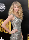 Taylor Swift - 2008 American Music Awards (13)