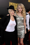 Taylor Swift - 2008 American Music Awards (26)