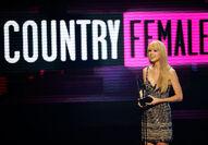 Taylor Swift - 2010 American Music Awards (63)