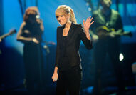 Taylor Swift - 2010 American Music Awards (51)
