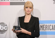 Taylor Swift - 2010 American Music Awards (89)