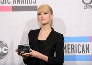 Taylor Swift - 2010 American Music Awards (78)
