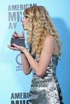 Taylor Swift - 2008 American Music Awards (67)
