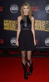 Taylor Swift - 2007 American Music Awards (20)