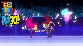 Teen_Titans_Go!_vs._Teen_Titans_-_Starfire_Thumb_War-0