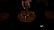 3x22 Talia's claws at Argent home