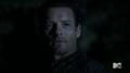 2x11 Peter watching