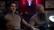 3x01 Scott 01 Tattoo parlor