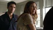 Tyler-Posey-Michelle-Clunie-Scott-Mrs.-Finch-crying-Teen-Wolf-Season-6-Episode-18-Genotype
