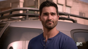 640px-Teen Wolf Season 4 Episode 12 Smoke & Mirrors Derek silent communication with Scott.png