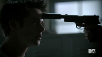 Teen Wolf Season 4 Episode 7 Weaponized Stiles with gun to his head