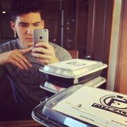 Teen Wolf Season 5 Behind the Scenes Cody Christian meals on set 082615