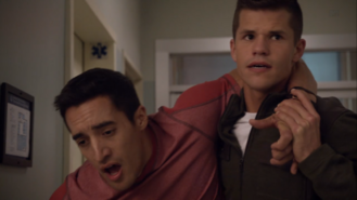 3x07 Danny and Ethan at hospital