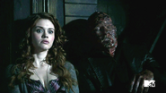 Lydia's new boyfriend has some issues
